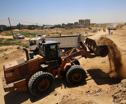 Hamas building buffer zone along Gaza-Egypt border
