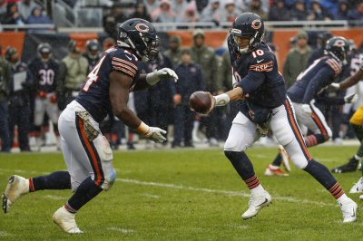 Howard told he's staying with Bears