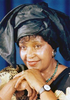 Winnie Mandela returns to S. African scene