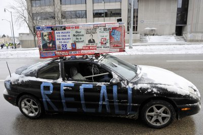 Second Democrat enters Wis. recall election