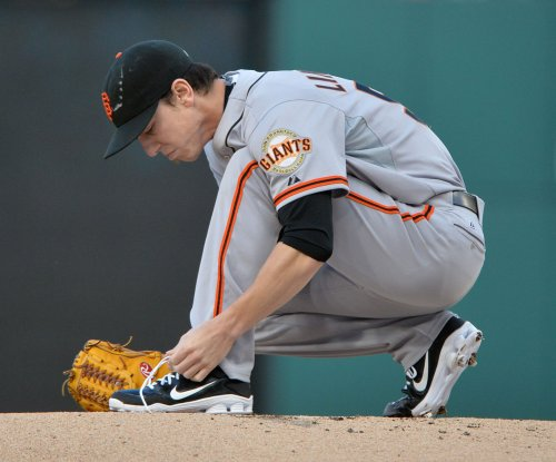 San Francisco Giants RHP Tim Lincecum undergoes hip surgery