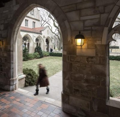 University of Chicago closes campus after online threat on quad