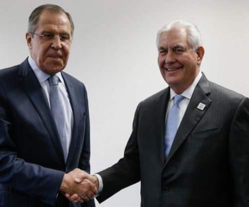 Tillerson, Lavrov discuss Ukraine, Syria in first meeting