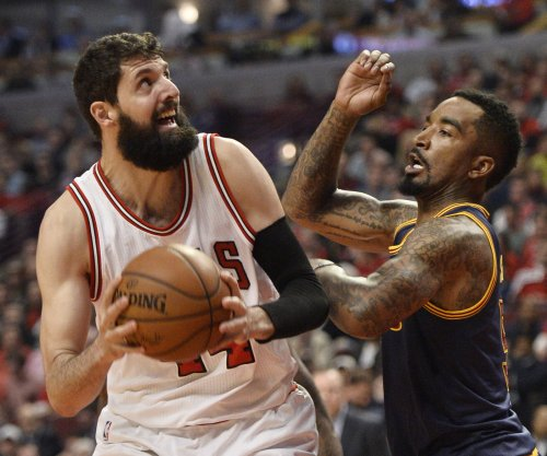 Chicago Bulls complete season sweep of LeBron James, slumping Cleveland Cavaliers
