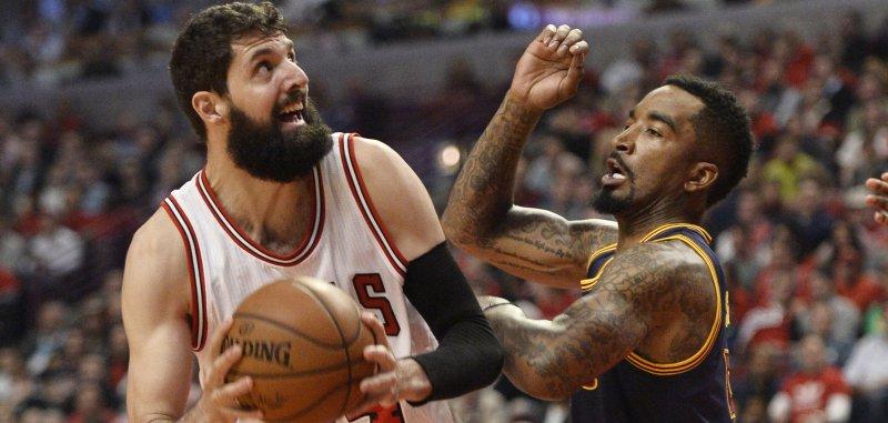 on sale 63dc3 3ed71 Chicago Bulls complete season sweep of LeBron James ...