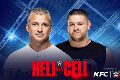 WWE Hell in a Cell: Shane McMahon, Kevin Owens fight on top of the cage