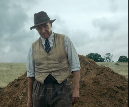 Ralph Fiennes enjoyed hard labor of 'The Dig'