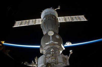 Soyuz spacecraft redocks to space station
