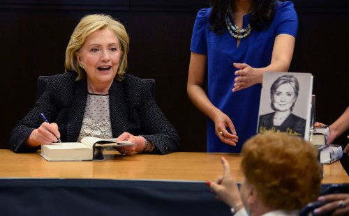 China offers no publishing contract for Clinton's memoir