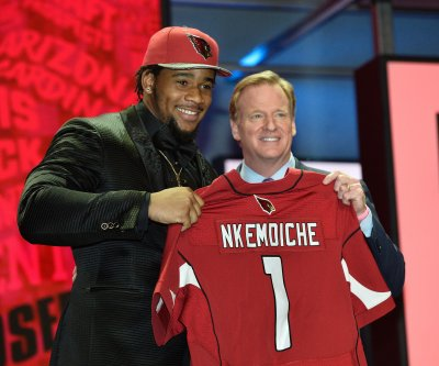 Robert Nkemdiche sits out Arizona Cardinals' first practice with injury