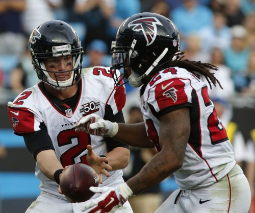Matt Ryan, Devonta Freeman help Atlanta Falcons pound San Francisco 49ers