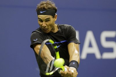 Rafael Nadal handles Novak Djokovic in Madrid semifinals