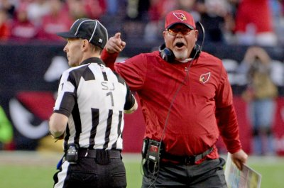 Arizona Cardinals: Bruce Arians distressed by play of receivers