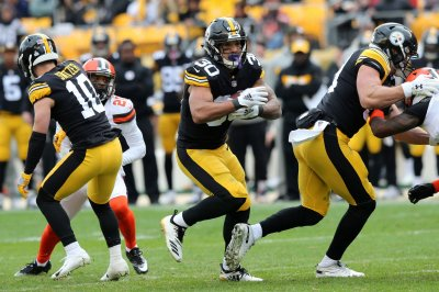 Steelers will power on with or without Bell thanks to O-line
