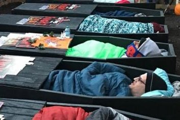 Six-Flags-seeks-brave-pairs-for-'30-Hour-Couples-Coffin-Challenge'