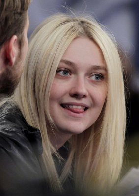Beverly Aadland Dakota Fanning dakota fanning says she wishes less was ...