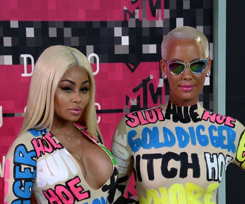 Amber Rose, Blac Chyna wear insult-covered outfits to MTV VMAs