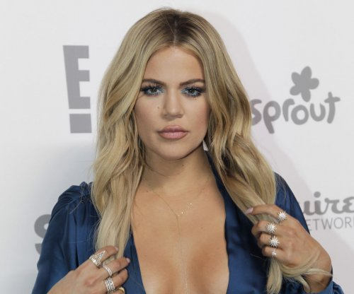 Khloe Kardashian creates OkCupid dating profile