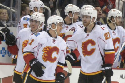 Calgary Flames upend Pittsburgh Penguins to stop seven-game skid