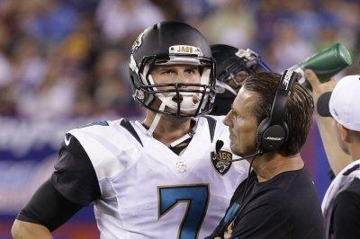 Jacksonville Jaguars QB Blake Bortles asks Aaron Rogers how he can improve