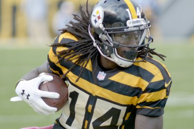 Pittsburgh Steelers' Ladarius Green, Sammie Coates out against Baltimore Ravens