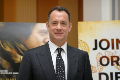 Hanks supporting AFTRA contract