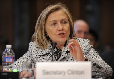 Clinton calls for 'regional integration'