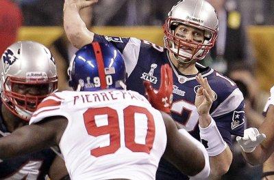 Giants' Jason Pierre-Paul: 'I know I am' getting to Tom Brady