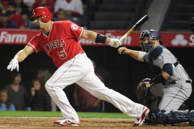 Albert Pujols' bat, legs lift Los Angeles Angels in 11th inning