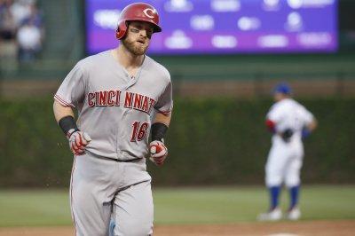 Cincinnati Reds, Tucker Barnhart agree to extension