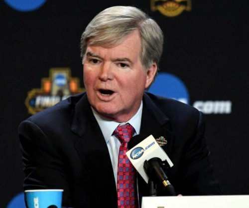 Mark Emmert: Public losing trust in NCAA after federal investigation