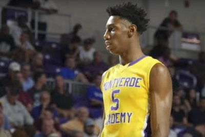 R.J. Barrett: Top high school hoops prospect commits to Duke over Kentucky, Oregon