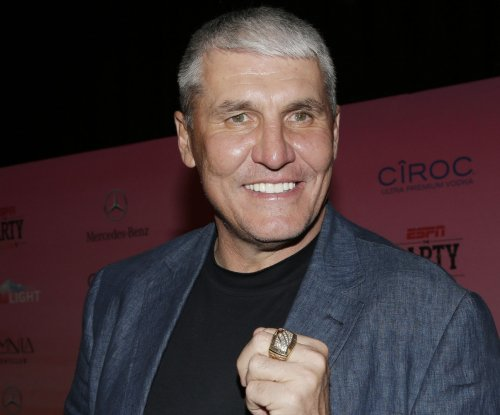 Ex-NFL QB Mark Rypien says he attempted suicide