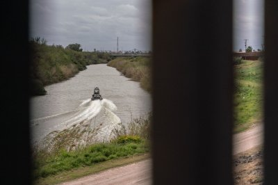 Migrant raft overturns in Rio Grande River, killing baby boy