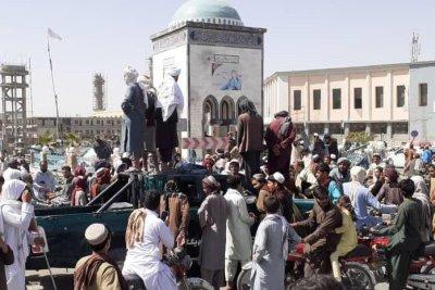 Taliban overtake 3 more major cities in Afghanistan in push toward Kabul
