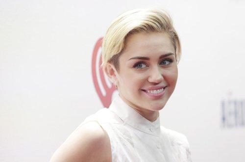 Miley Cyrus, Kellan Lutz share private plane to Miami