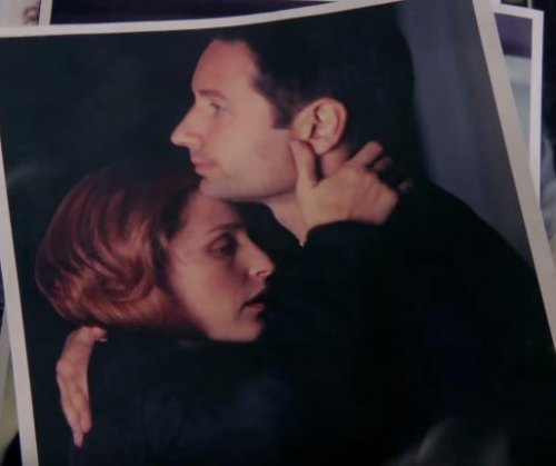 'The X-Files' revival recaps series in opening scene