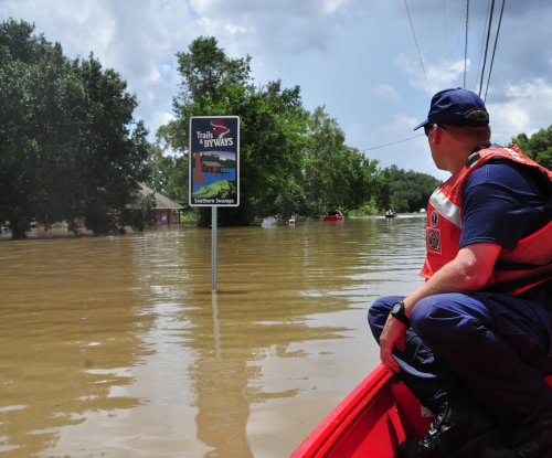 102,000 Louisiana flood victims register for federal aid
