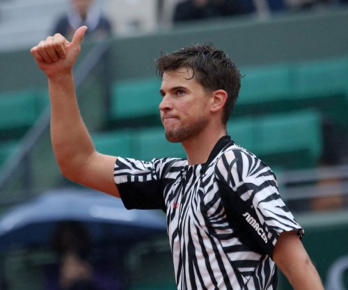 Dominic Thiem breezes to Rio semis
