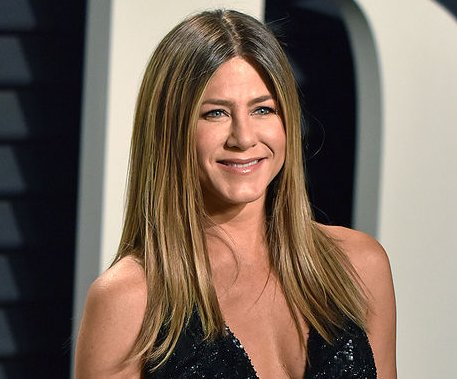 Jennifer Aniston celebrates 49th birthday with Courteney Cox