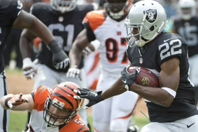 Texans sign former Raiders, Bills RB Taiwan Jones