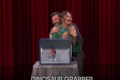 Chrissy Teigen, Jimmy Fallon touch mystery objects on 'Tonight Show'