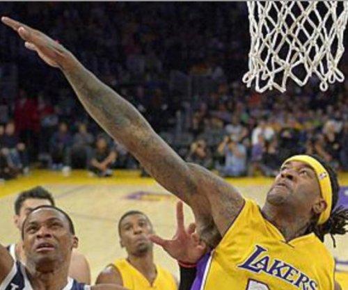 Milwaukee Bucks aim to keep rolling vs. Los Angeles Lakers