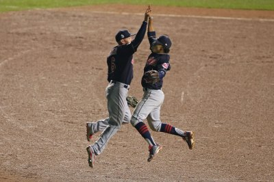 Coco Crisp's pinch-single carries Cleveland Indians to 1-0 Game 3 win