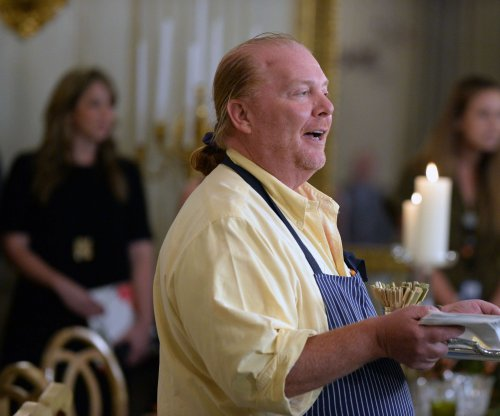 Mario Batali's Las Vegas restaurants to close