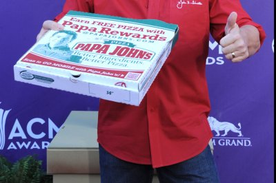 Papa John's gets $200M boost, new board chairman