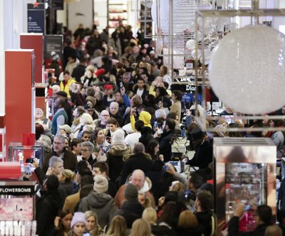 Gallup: Americans will spend less on holiday shopping this year