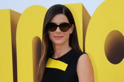 Sandra Bullock reportedly dating photographer