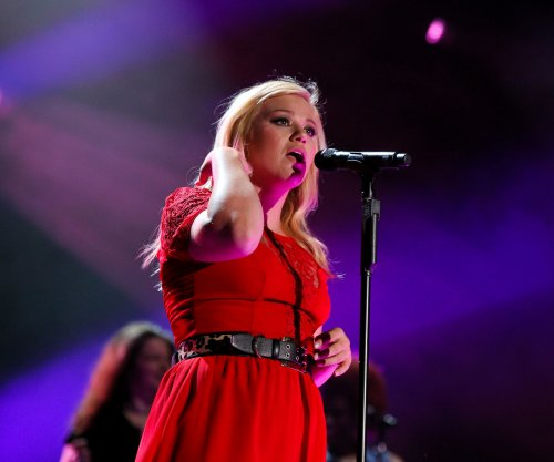 Kelly Clarkson on working with Dr. Luke: 'He's kind of demeaning'