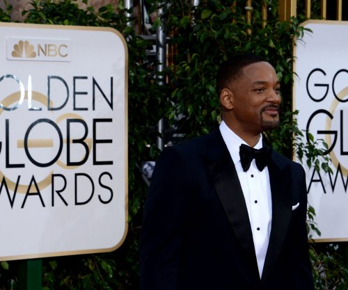 Will Smith posts epic selfie with 'Collateral Beauty' co-stars